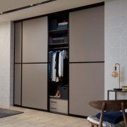 Raffito garderobekast omlijste deuren basalt zwart
