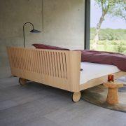 Auping Noa Balanced oak met opengewerkt hoofdbord